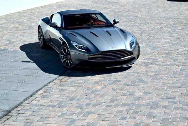 Aston Martin DB11 2018 $243757.00 incacar.com