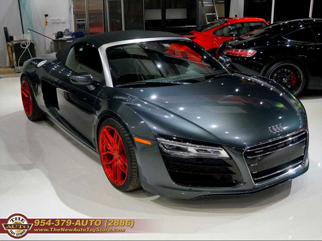 Audi R8 2014 $74950.00 incacar.com