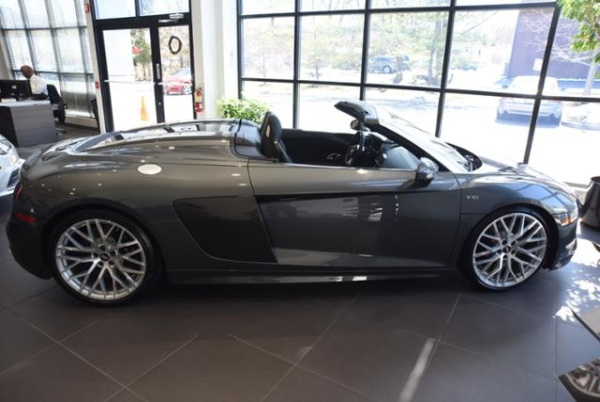 Audi R8 2017 $175535.00 incacar.com