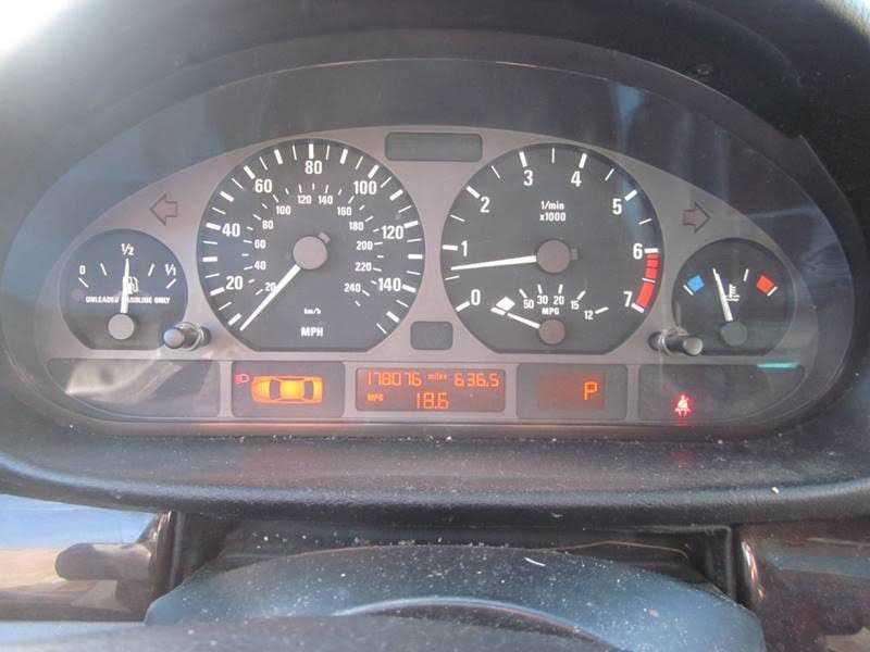 BMW 3-Series 2001 $1800.00 incacar.com