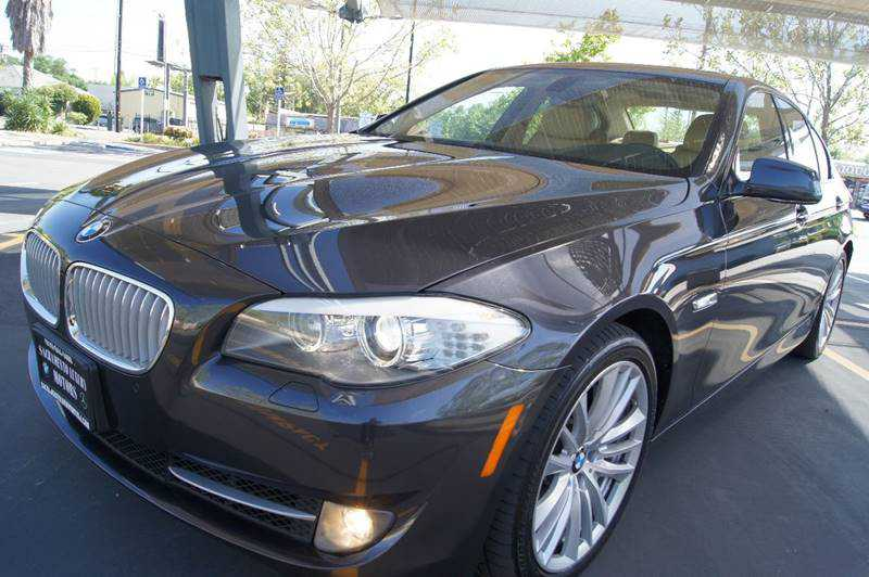 BMW 5-Series 2011 $15900.00 incacar.com