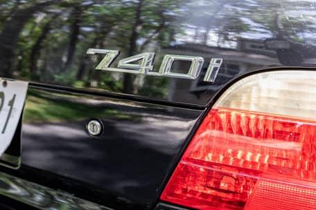 2000 BMW 740i