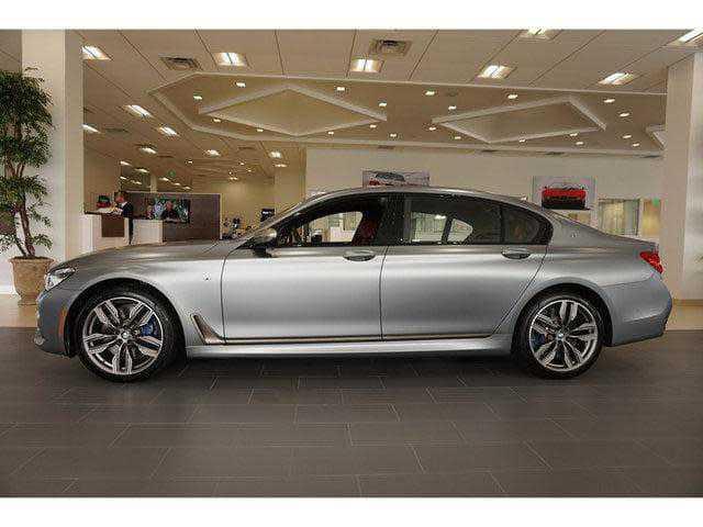 BMW M7 2018 $181075.00 incacar.com
