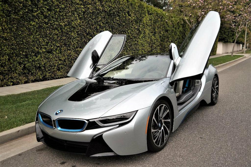BMW i8 2015 $74900.00 incacar.com