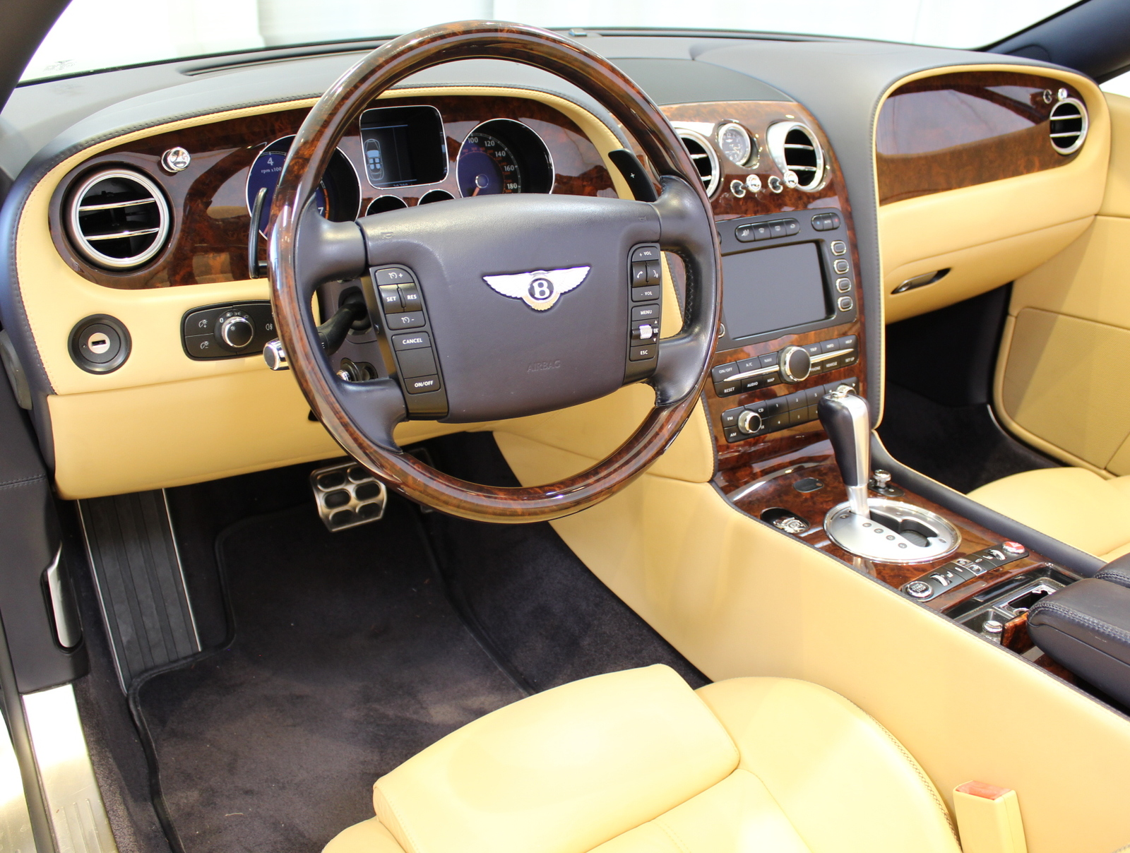 used Bentley Continental 2008 vin: SCBDR33W48C053886