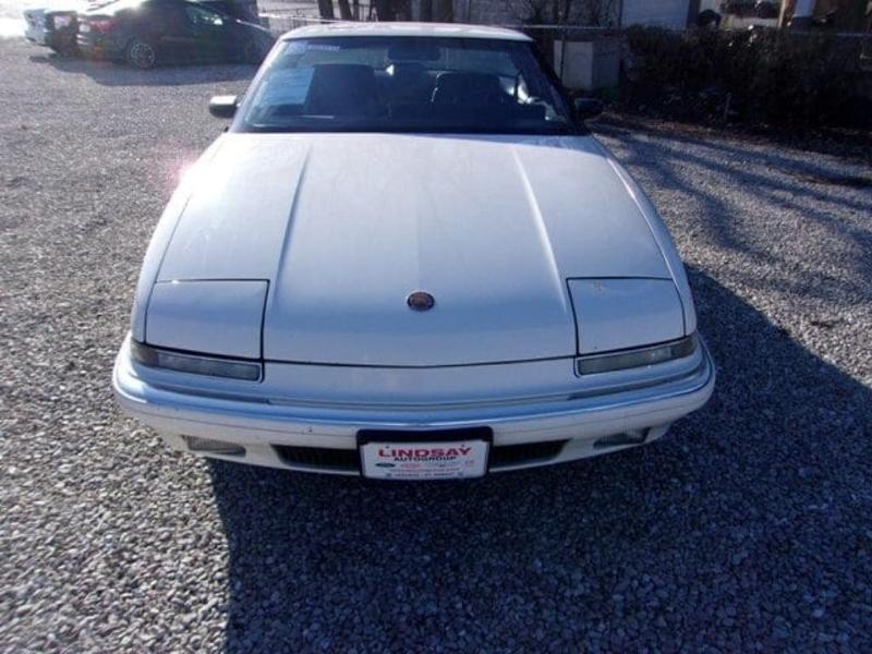Buick Reatta 1989 $4900.00 incacar.com