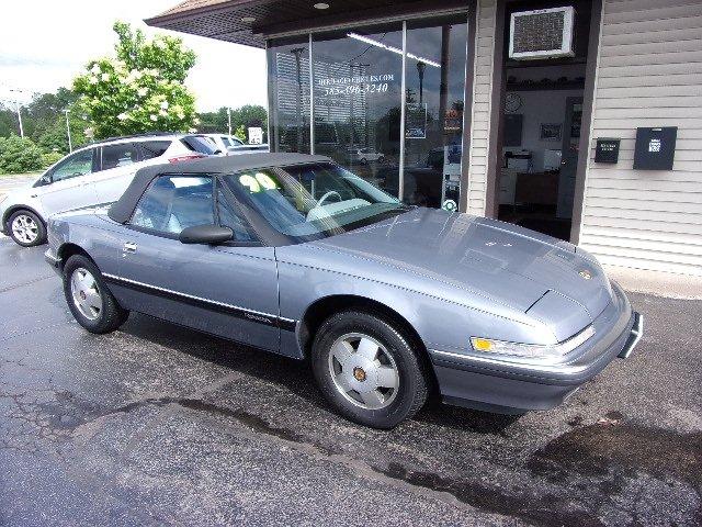 Buick Reatta 1990 $10900.00 incacar.com
