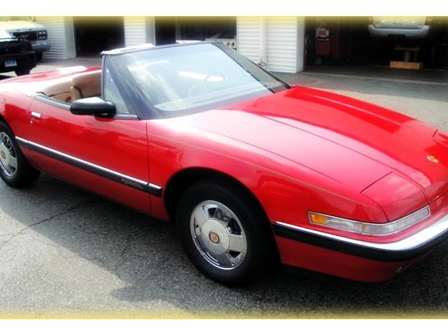 Buick Reatta 1990 $19000.00 incacar.com