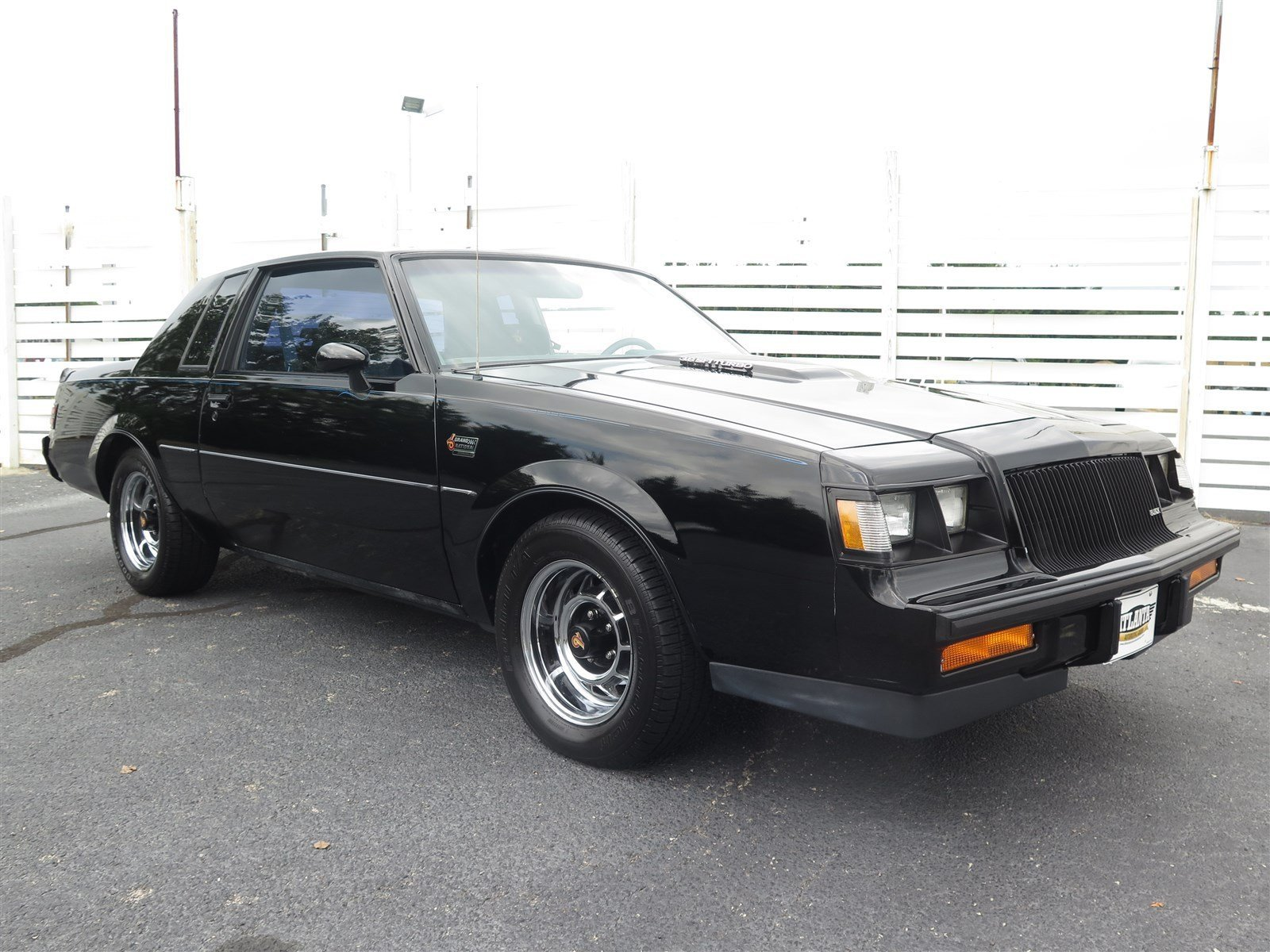 Buick Regal 1987 $33000.00 incacar.com