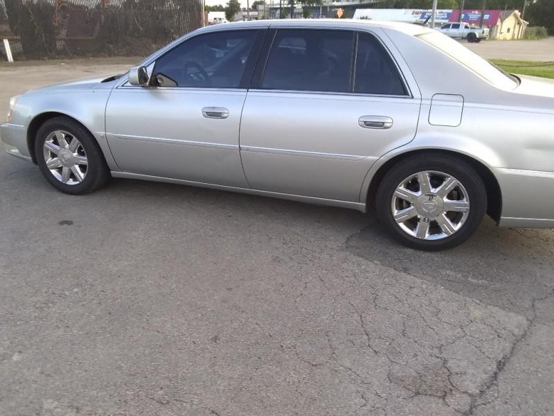 Cadillac DTS 2006 $3000.00 incacar.com