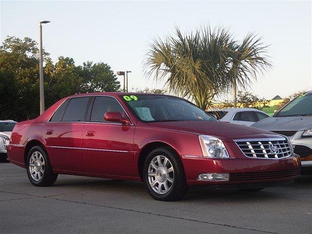 Cadillac DTS 2009 $9988.00 incacar.com