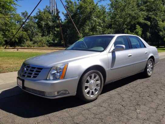 Cadillac DTS 2011 $7500.00 incacar.com
