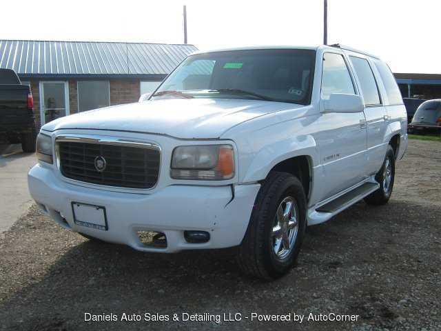 Cadillac Escalade 1999 $3750.00 incacar.com