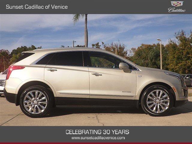 Cadillac XT5 2017 $44899.00 incacar.com