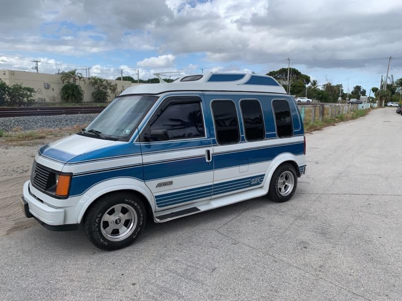 used Chevrolet Astro 1988 vin: 1GBDM15Z0JB166158