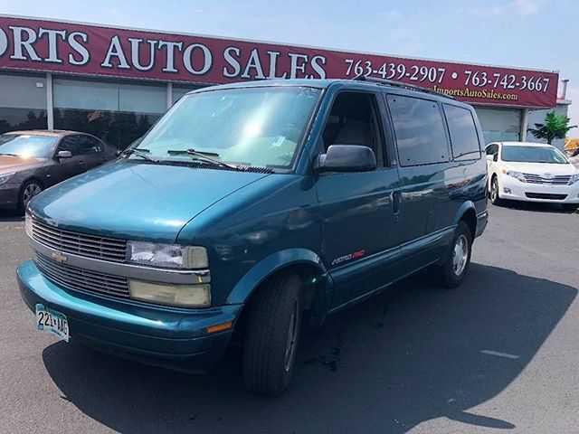 Chevrolet Astro 2000 $1800.00 incacar.com