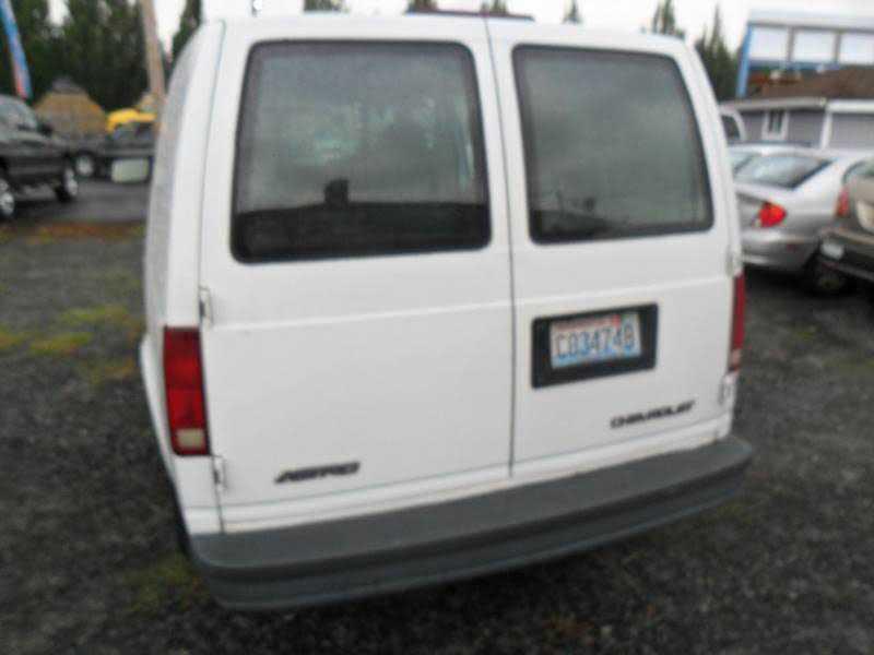 Chevrolet Astro 2000 $2599.00 incacar.com