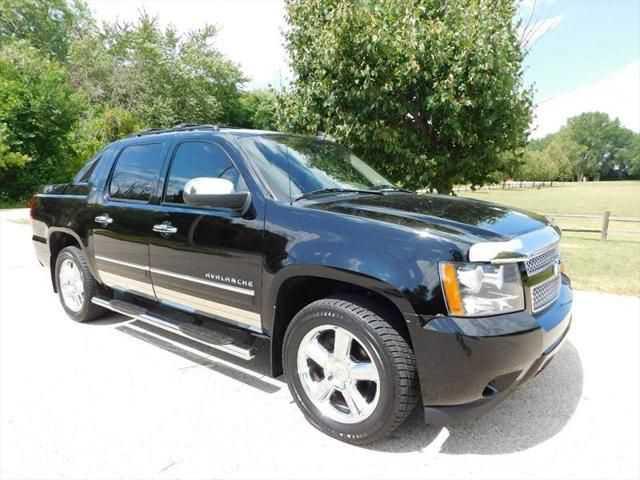 Chevrolet Avalanche 2012 $18495.00 incacar.com