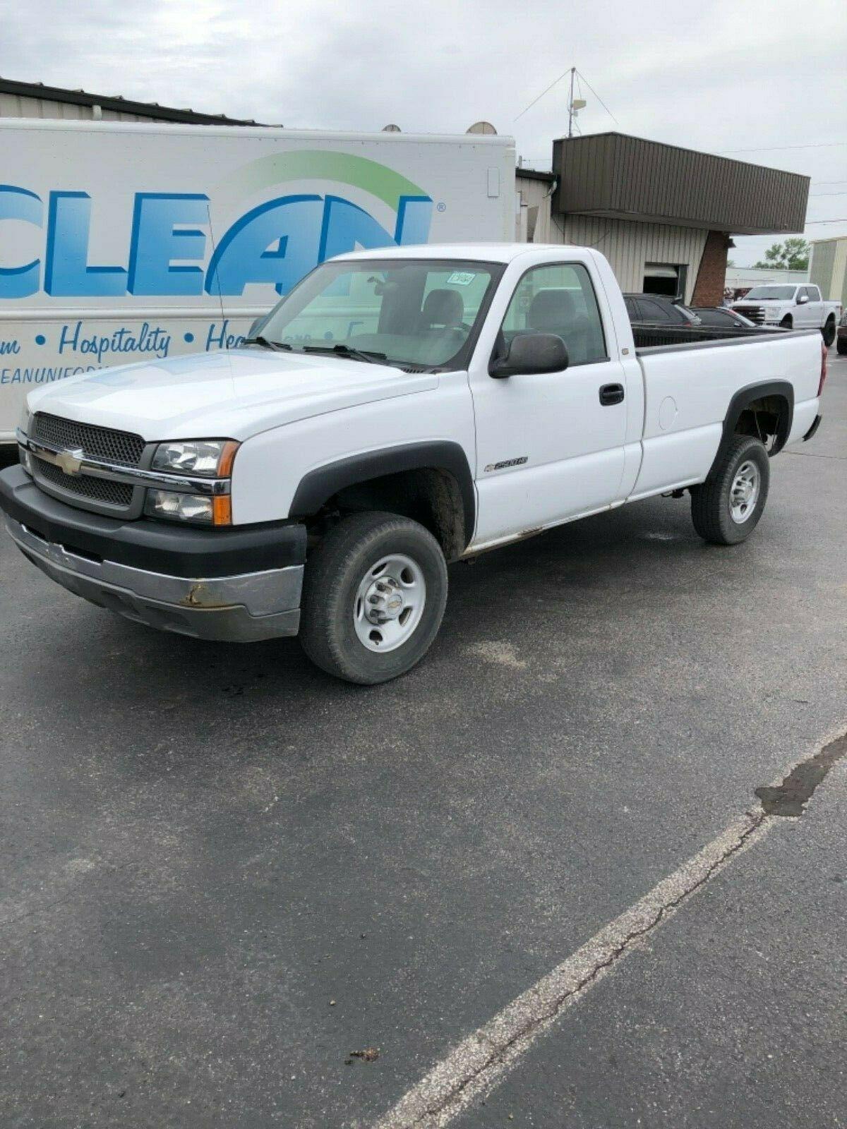 Chevrolet C/K 2500 2004 $3610.00 incacar.com