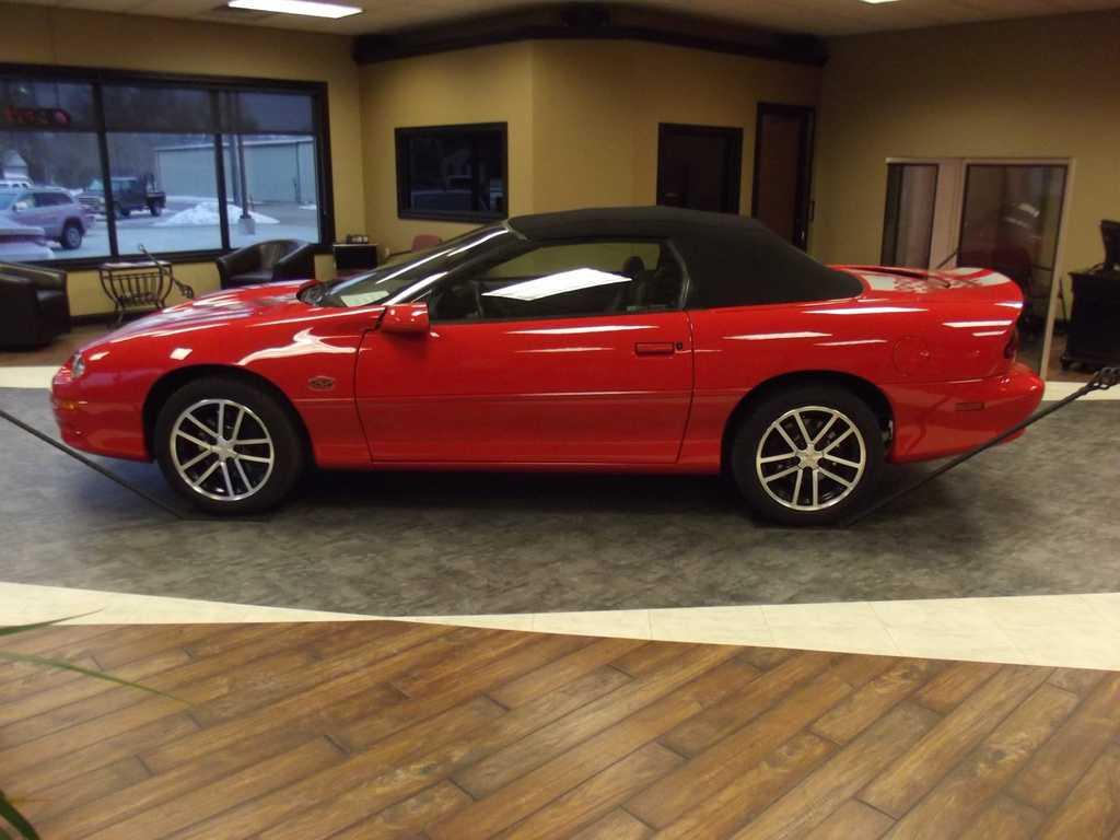 Chevrolet Camaro 2002 $28900.00 incacar.com