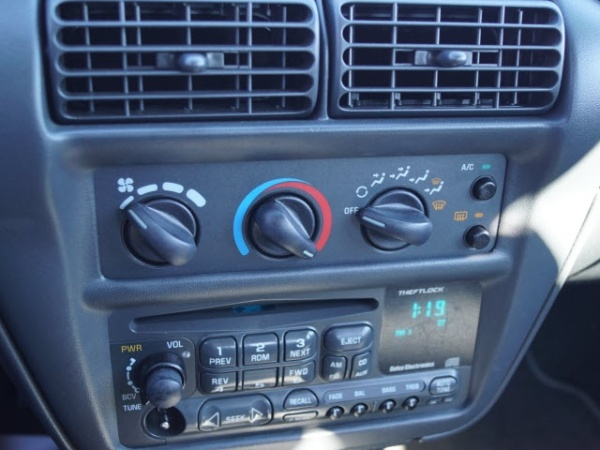 Chevrolet Cavalier 1998 $4500.00 incacar.com