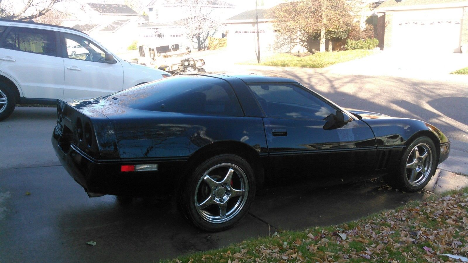 Chevrolet Corvette 1985 $6250.00 incacar.com