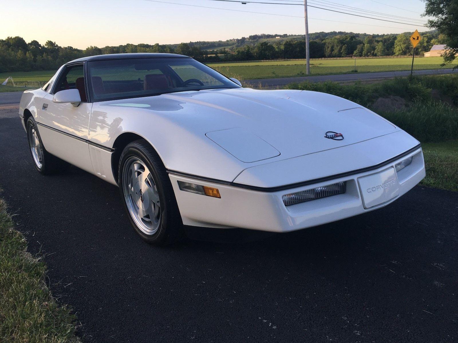 Chevrolet Corvette 1988 $10500.00 incacar.com