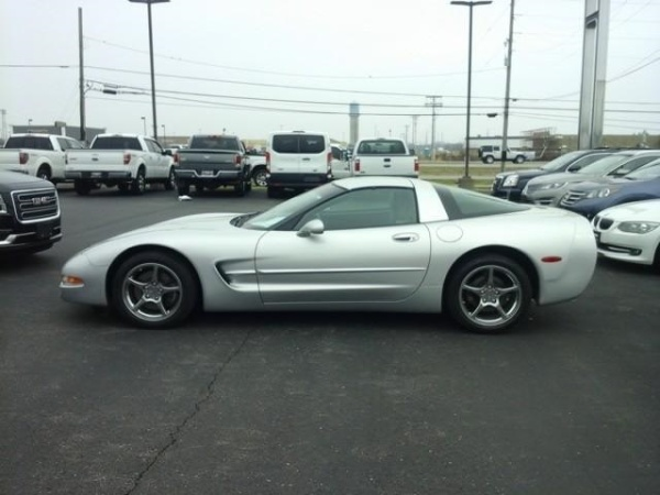 Chevrolet Corvette 2002 $20899.00 incacar.com