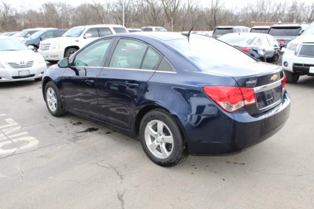 Chevrolet Cruze 2011 $4900.00 incacar.com