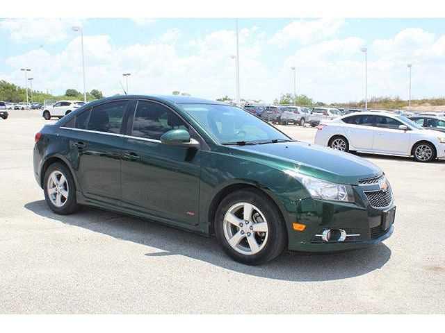 Chevrolet Cruze 2014 $8000.00 incacar.com
