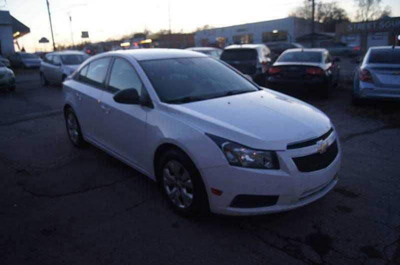 Chevrolet Cruze 2014 $4995.00 incacar.com