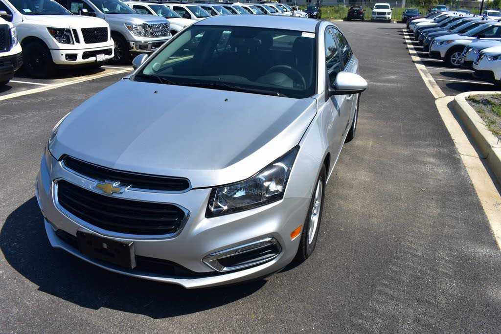 used Chevrolet Cruze 2015 vin: 1G1PC5SB4F7122421