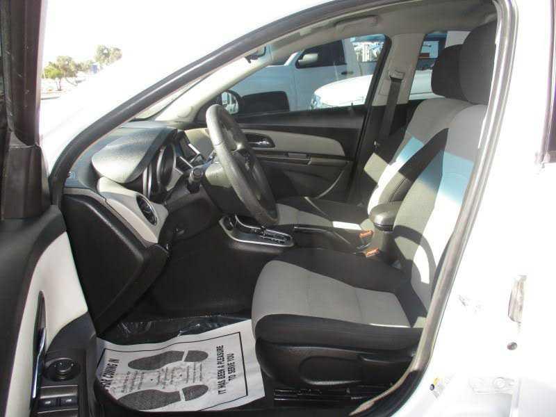 Chevrolet Cruze 2016 $7995.00 incacar.com