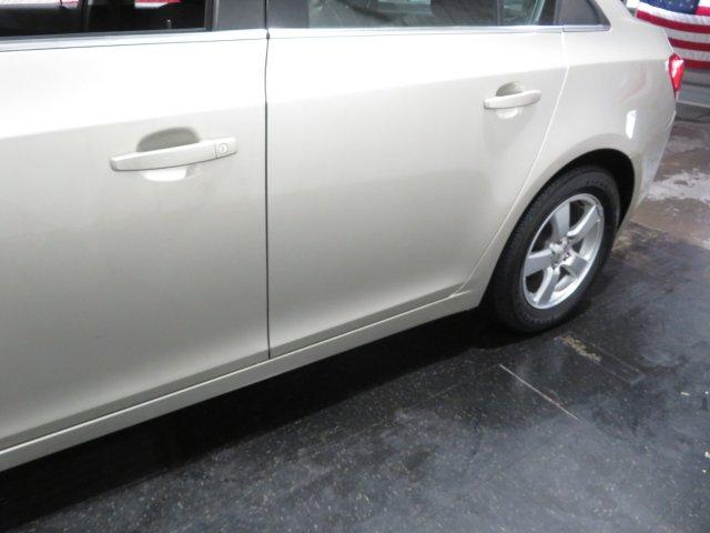 Chevrolet Cruze 2016 $11995.00 incacar.com