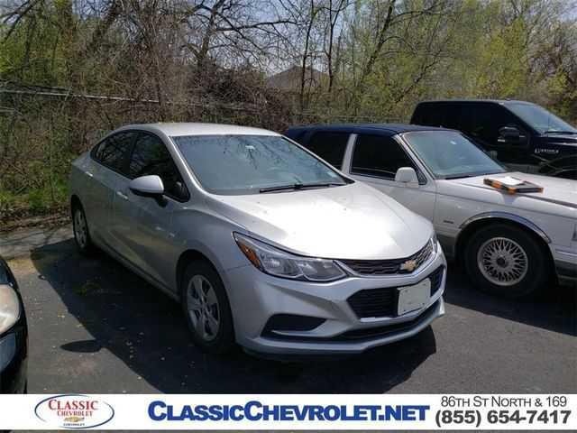 Chevrolet Cruze 2017 $12354.00 incacar.com