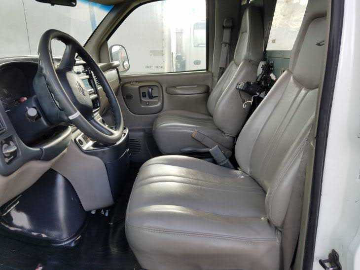 Chevrolet Express 1999 $3900.00 incacar.com