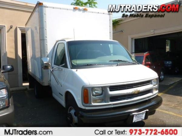 Chevrolet Express 2000 $7900.00 incacar.com