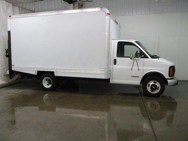 Chevrolet Express 2001 $14000.00 incacar.com