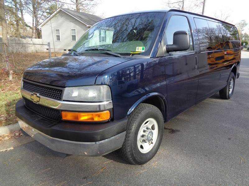 Chevrolet Express 2011 $13700.00 incacar.com