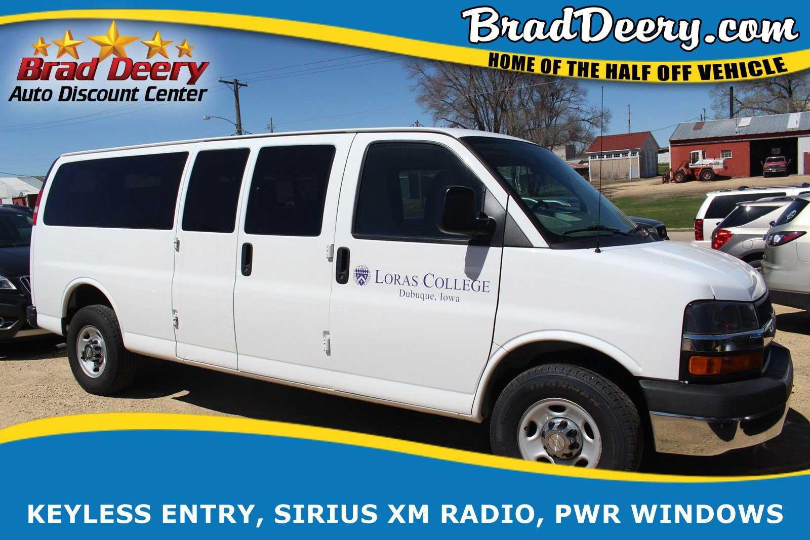 Chevrolet Express 2015 $17999.00 incacar.com