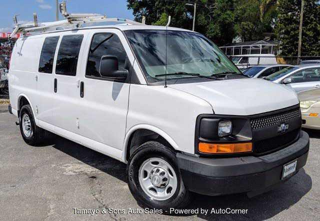 Chevrolet Express 2015 $12500.00 incacar.com