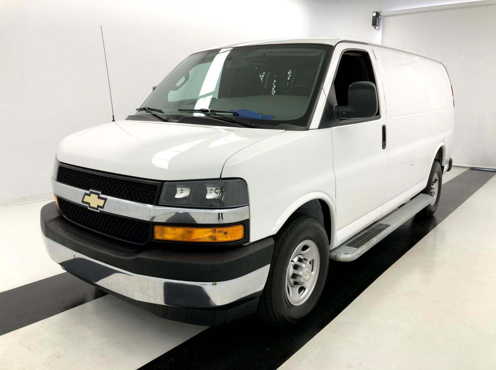 used Chevrolet Express 2018 vin: 1GCWGAFG7J1905542