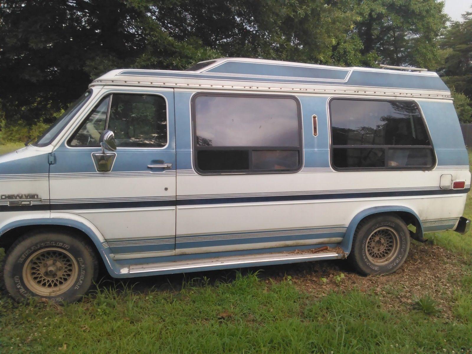 Chevrolet G-Series 1988 $1000.00 incacar.com