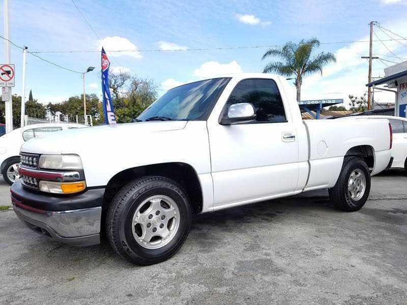 Chevrolet Silverado 2000 $4500.00 incacar.com