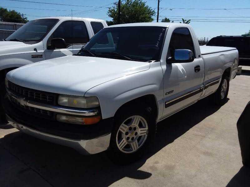 Chevrolet Silverado 2000 $3500.00 incacar.com