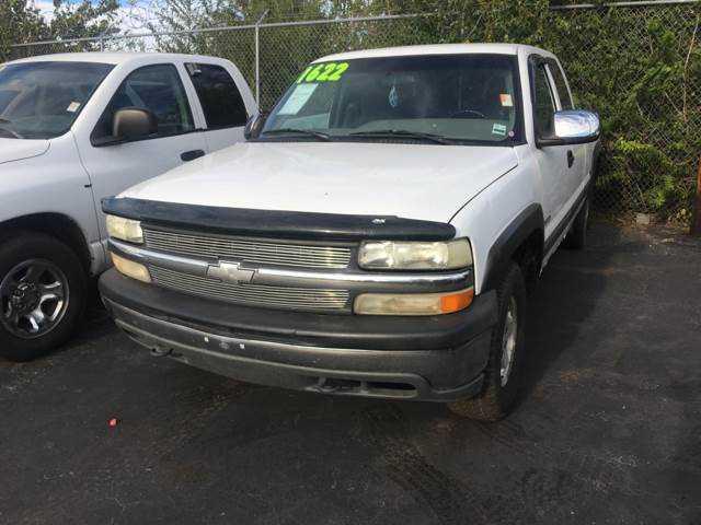 Chevrolet Silverado 2000 $4000.00 incacar.com