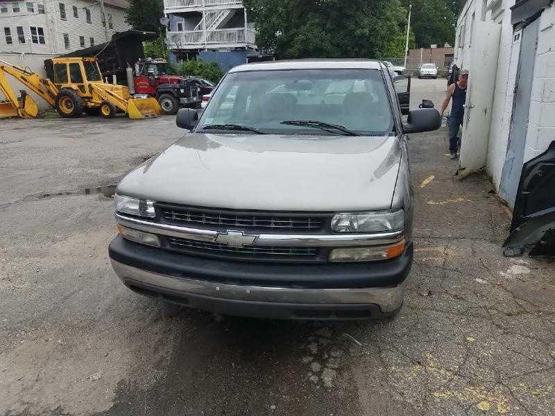 Chevrolet Silverado 2001 $2000.00 incacar.com