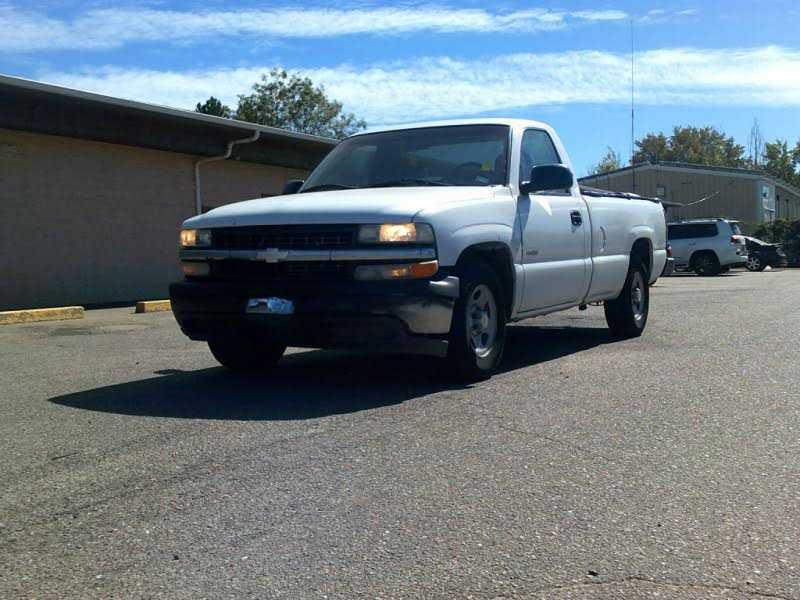 Chevrolet Silverado 2002 $9999.00 incacar.com