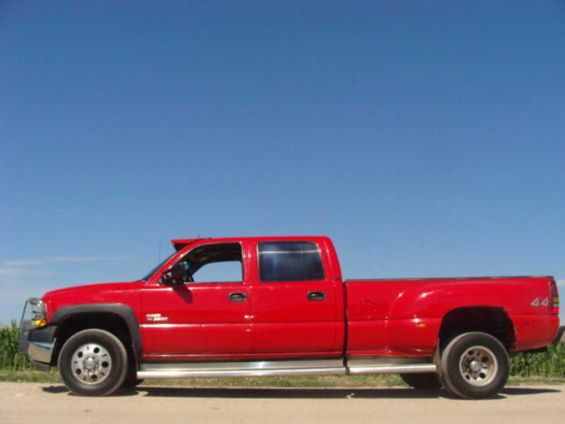 Chevrolet Silverado 2002 $8950.00 incacar.com