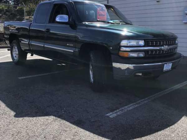 Chevrolet Silverado 2002 $5999.00 incacar.com